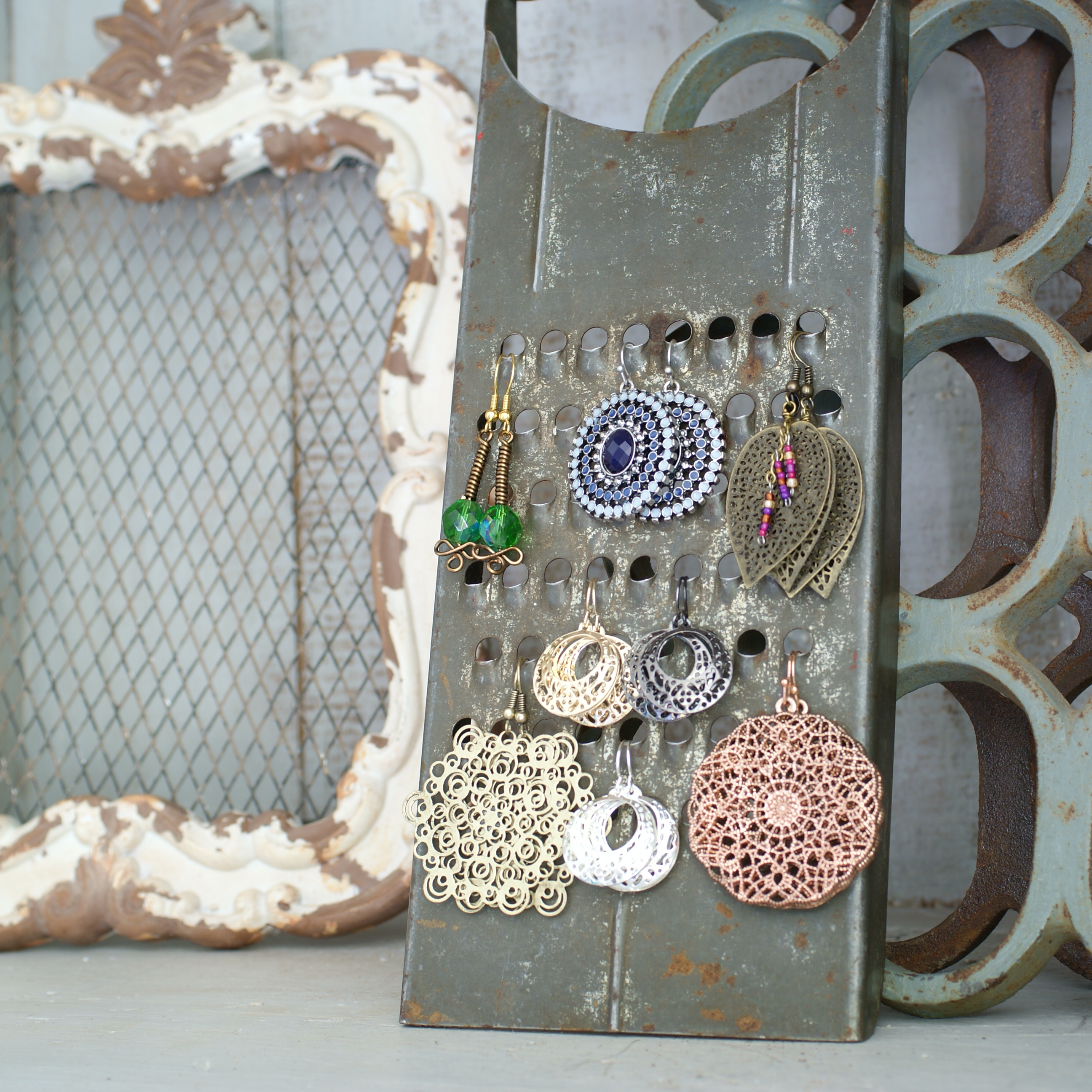Diy jewelry display ideas that will rock your next craft for Craft shows in nebraska